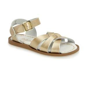 Saltwater sandals toddler size 9 gold